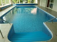 Vyhřívaný bazén v jižních čechách