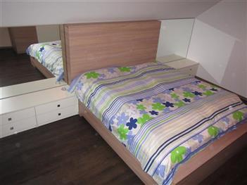 Postele a ložnice