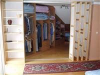 Zakázková výroba nábytku - vestavěné skříně - Pardubice