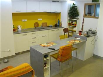 Tuhlářství Žďára - kuchyňský nábytek na míru