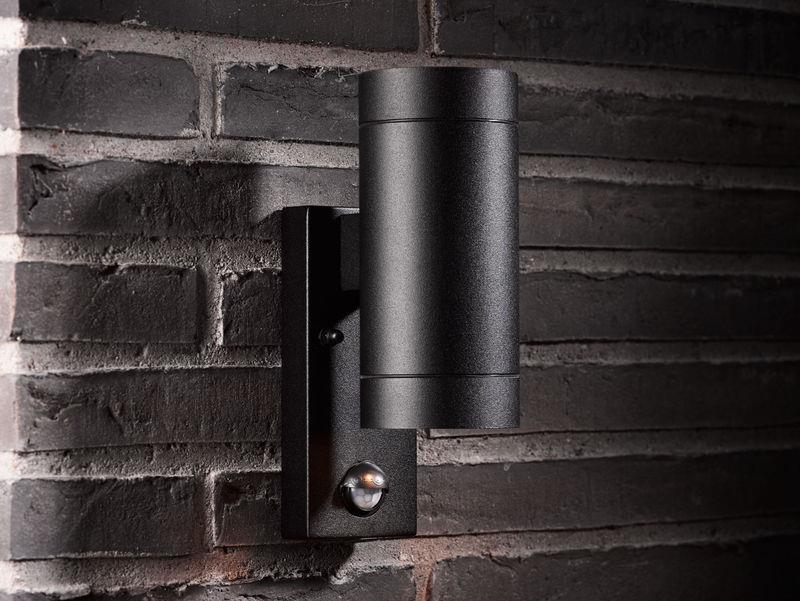 Venkovní nástěnné svítidlo se senzorem Tin černá, up down