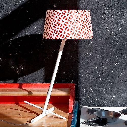 Stolní lampa SLANT červená